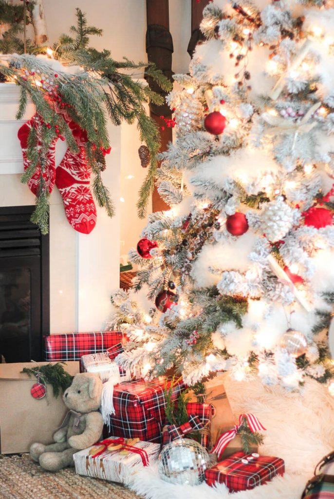 Craftberry Bush - Christmas Color Schemes Traditional