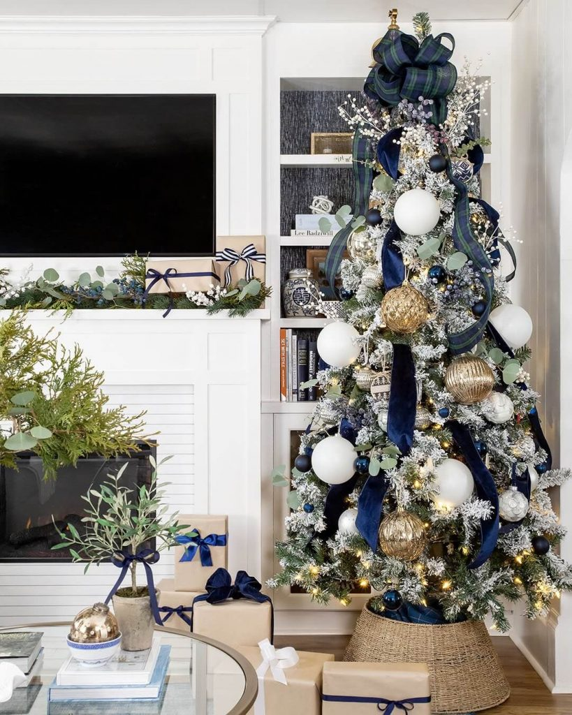 Creek Line House - Christmas Color Schemes Blue and White