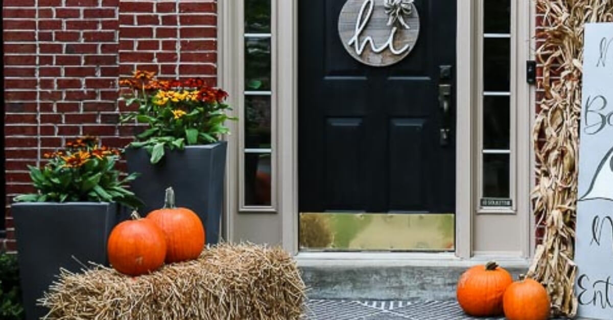 Looking for a personalized DIY porch sign for fall? Here's how using a piece of wood, spray paint, and some paint markers. Read more here.