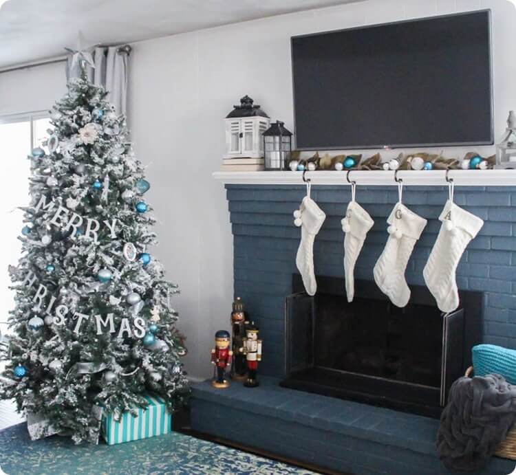 Lovely Etc - Christmas Color Schemes Blue and White