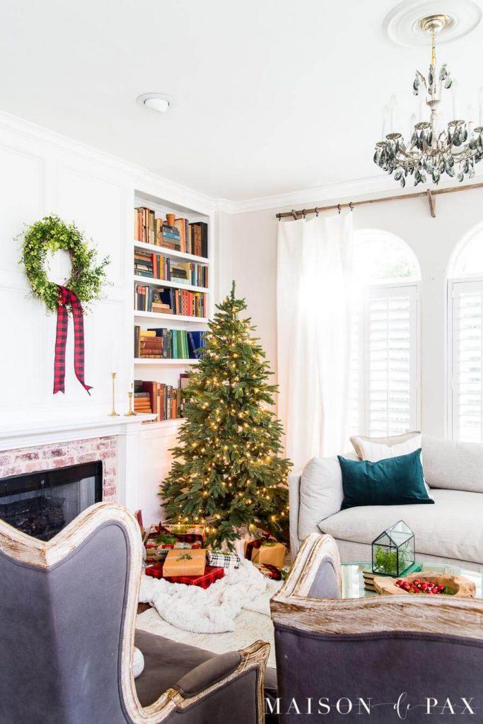 Maison De Pax - Christmas Color Schemes Traditional
