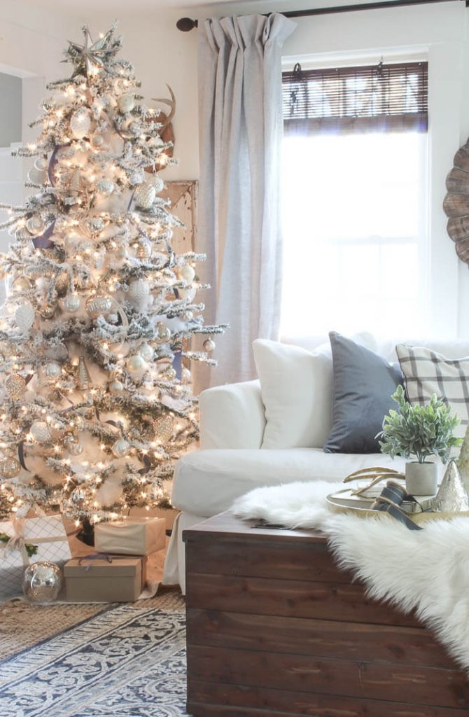 Rooms for Rent Blog - Christmas Color Schemes Blue and White