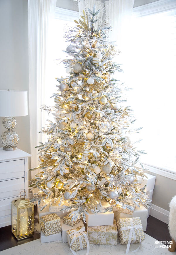 Setting for Four - Christmas Color Schemes Neutral