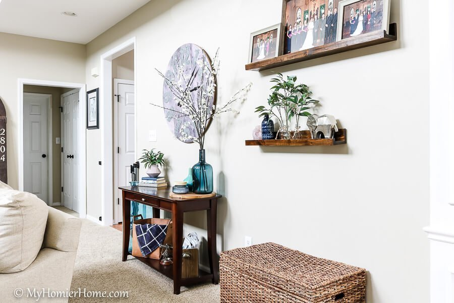 Welcome to my spring home tour! Breathing a little life into our home to ring in the new season with style!