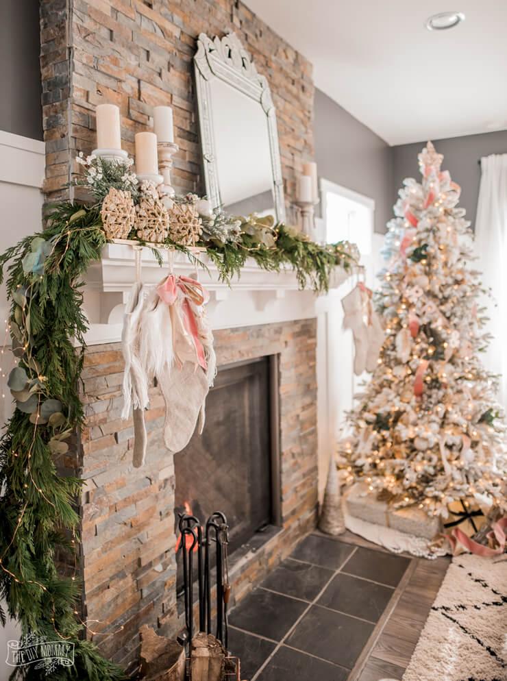 The DIY Mommy - Christmas Color Schemes Bonus Dusty Pink