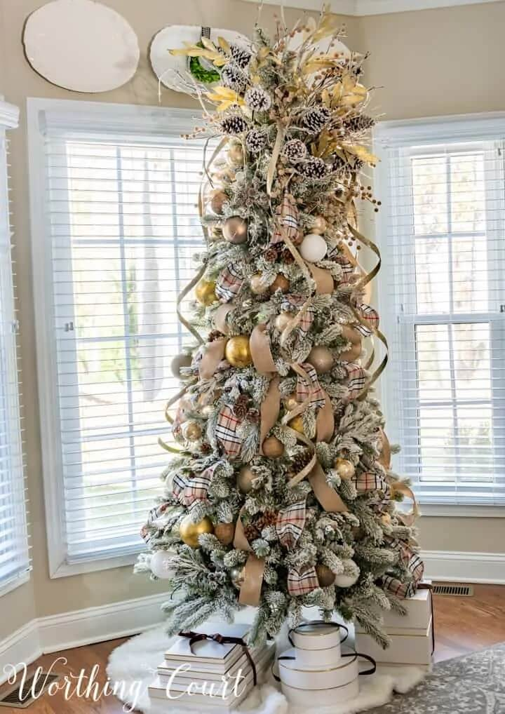 Worthing Court Blog - Christmas Color Schemes Neutral