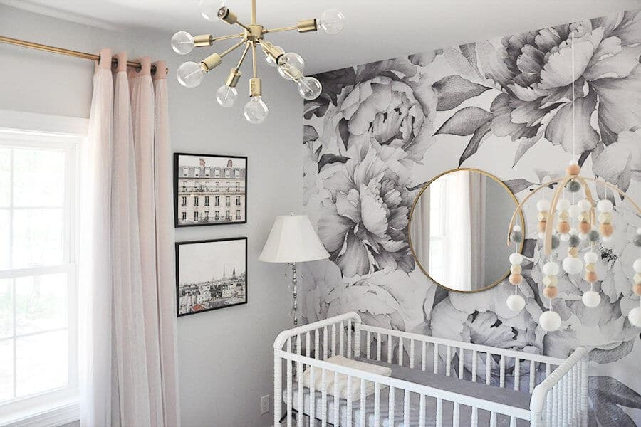 How adorable is this baby girl's nursery from foxyoxie.com?